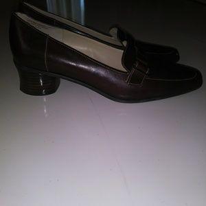 Joan & Davis pair of elegant formal shoes